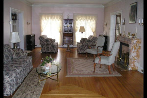 Interior view of Rileys Bed & Breakfast.