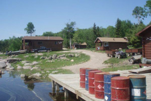 Lakeside Cabins at Maynard Lake Lodge and Outpost