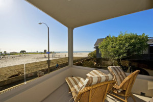Rental balcony at Pacific Sunset Group.