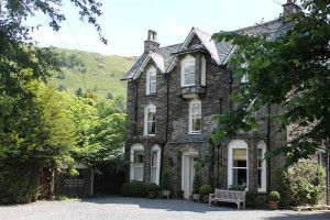Exterior view of Grasmere Hotel.