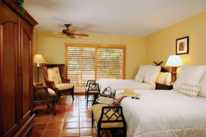 Guest room at The Inns of Sanibel.