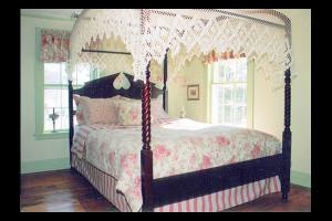 Guest room at Deacon Timothy Pratt Bed & Breakfast.