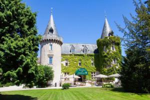 Exterior view of Hostellerie du Château de Bellecroix.