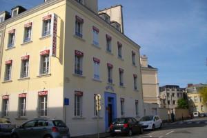 Exterior view of Hôtel de la Renaissance.
