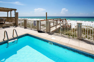 Splash around in your private beachfront view while enjoying the view of the Gulf of Mexico.