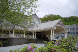 Exterior view of Jiminy Peak Mountain Resort.