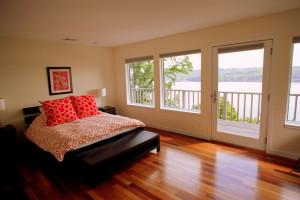 Riverknoll House bedroom at Buttermilk Falls Inn & Spa.