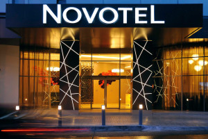 Exterior view of Novotel Toronto North York.