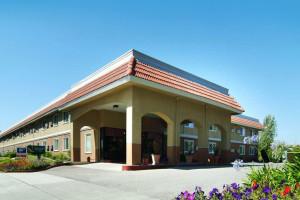 Exterior View of Quality Inn Santa Clara Convention Center