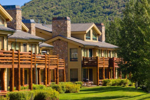 Exterior view of Deer Valley Vacation Rentals.