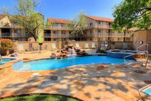 Rental pool at New Braunfels Escapes.