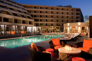 Exterior view of Hyatt Regency Suites - Palm Springs.