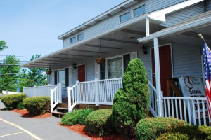 Exterior View at East Shore Lodging