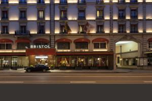 Exterior at Hotel Bristol.
