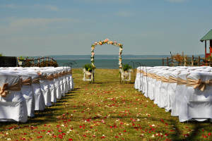 Wedding ceremony at Willow Point Resort.