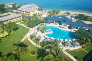 Aerial view of Jewel Runaway Bay Beach & Golf Resort.