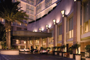 Exterior view of Omni Los Angeles Hotel at California Plaza.