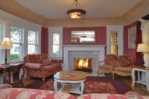 Sitting room at Rose Garden Inn.