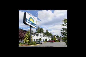 Exterior view of Days Inn Port Orchard.