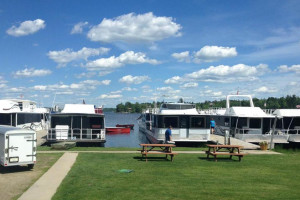 House boats at Vermilion Houseboats.