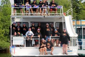 Family reunion at Rainy Lake Houseboats.