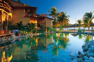 Exterior view of Hotel Villa Del Sol.