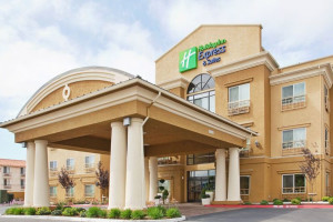 Exterior View of Holiday Inn Express Hotel & Suites Salinas