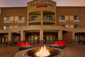 Exterior View of Courtyard at Courtyard by Marriott Waldorf