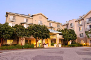 Exterior view of ownePlace Suites Redwood City Redwood Shores.
