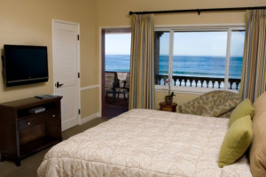 Guest room at La Jolla Beach & Tennis Club.