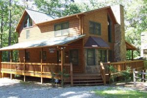 NICE SECLUDED CABIN LOCATED CLOSE TO THE OCOEE RIVER