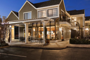 Exterior View of Quality Inn Petaluma