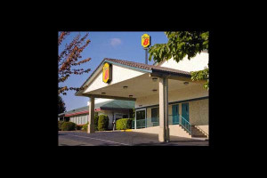 Exterior view of Super 8 Motel - Bremerton.