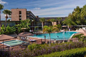 Outdoor pool at Rosen Inn International.