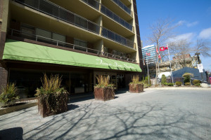Exterior view of Town Inn Suites.