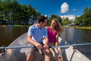 Couple on lake at Sunny Hill Resort & Golf Course.