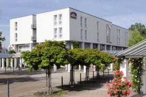Exterior view of BEST WESTERN Parkhotel Weingarten.