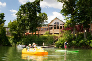 Family water activities at Stonewall Resort.