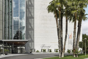 Exterior view of Hotel Rey Juan Carlos I.