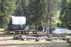 Covered wagon at 320 Guest Ranch.