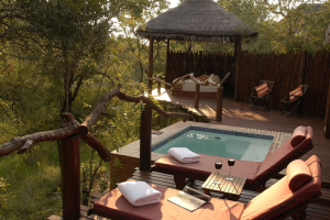 Hot tub at Simbambili Game Lodge.