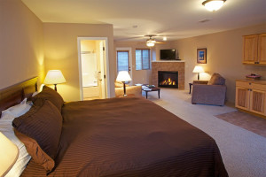 Guest room at Beaver Brook on the River.