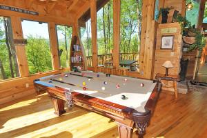 Cabin billiard table at American Mountain Rentals.