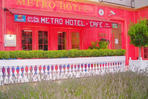 Exterior view of Metro Hotel.