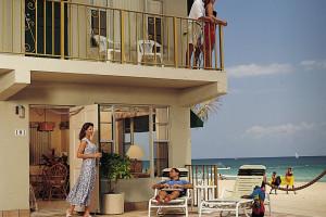 Exterior view of Tropic Seas Resort Motel.