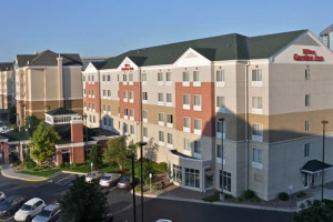 Exterior view of Hilton Garden Inn Bloomington.