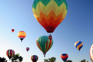 Balloon rides near Rocky Mountain Lodge & Cabins.