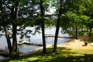 Lake dock at Chanticleer Inn.