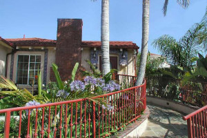 Exterior view of Always Inn San Clemente B & B.