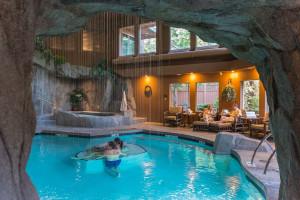 Spa pool at Tigh-Na-Mara Resort.
